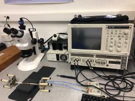 1 oscilloscope Tektronix DSA 8200 + 2 têtes doubles TDR 80E10.