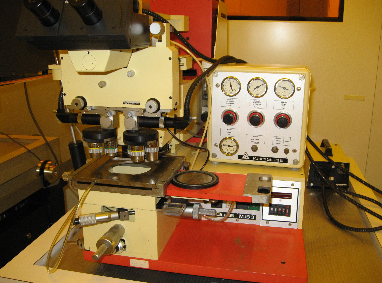 Photomasqueur Sùss Microtec de type MJB3